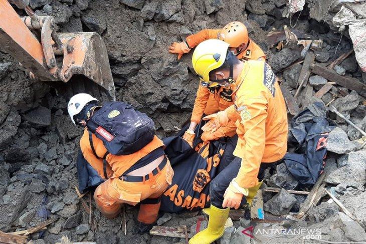 Enam orang meninggal akibat banjir-longsor di Manado
