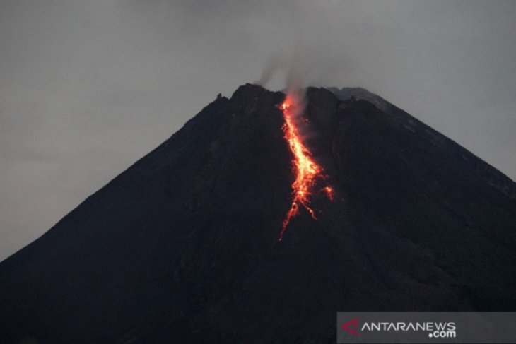 Mount Merapi spews hot lava for 36 times