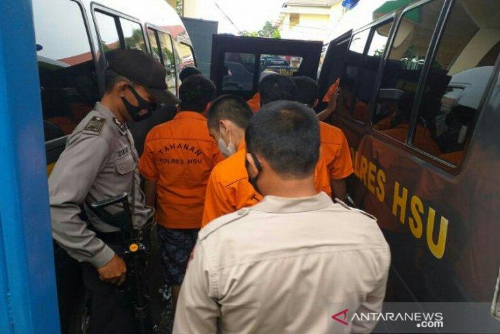 Tahanan diungsikan akibat banjir