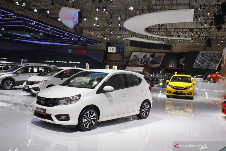 Honda Brio dan Suzuki Carry teratas 20 mobil terlaris Indonesia