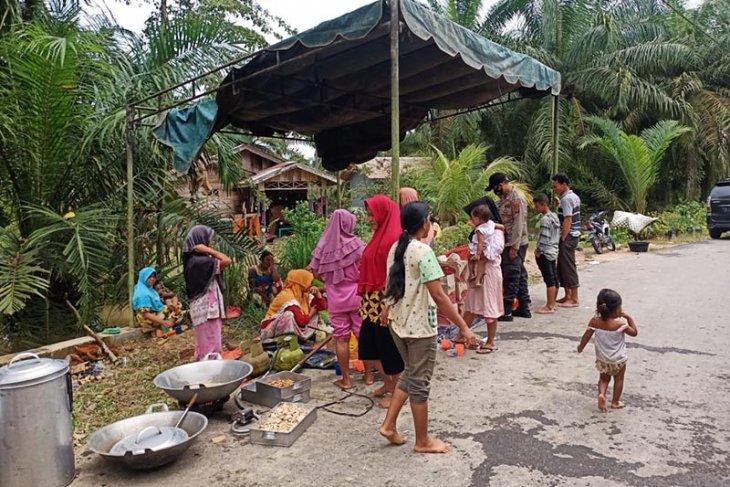 BPBD Aceh Tamiang dirikan dapur umum di lokasi tanggul jebol