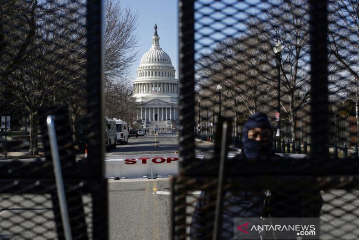 Otoritas AS tangkap pejabat yang hendak memprotes pelantikan Biden