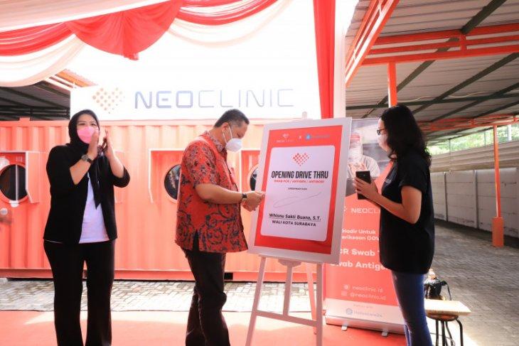 Plt Wali Kota berharap perusahaan swasta di Surabaya buka drive thru swab PCR