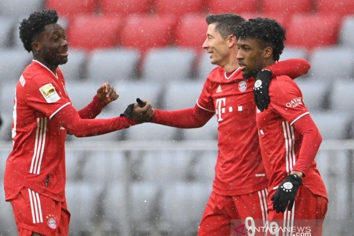 Bayern kembali ke jalur kemenangan usai membekuk Freiburg 2-1