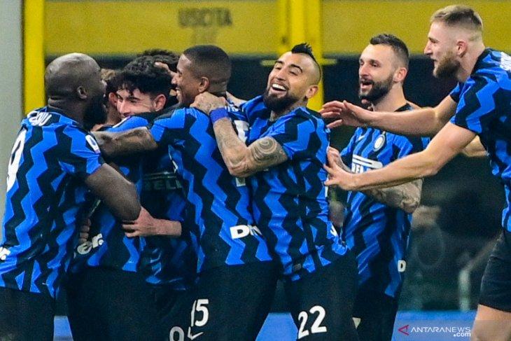 Inter Milan kalahkan Juventus 2-0