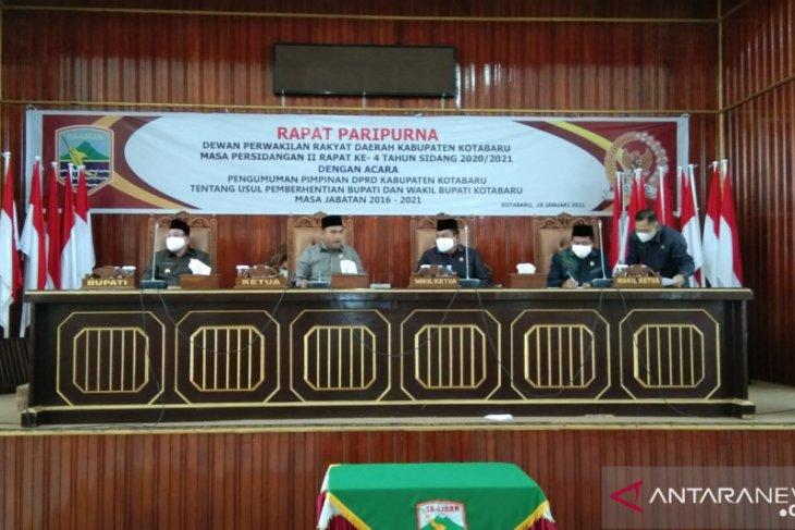 Pemberhentian Bupati-Wakil Bupati Kotabaru diparipurnakan
