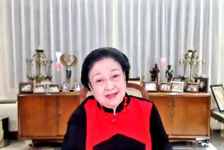 Megawati ajak kader PDIP wujudkan politik hijau