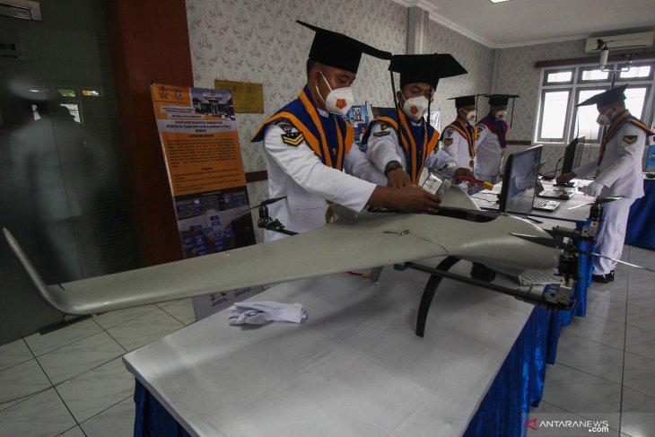 Drone pengintai bawah air karya prajurit wisudawan STTAL