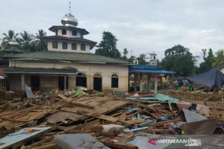 Hundreds of houses disappeared by flood in Central Hulu Sungai