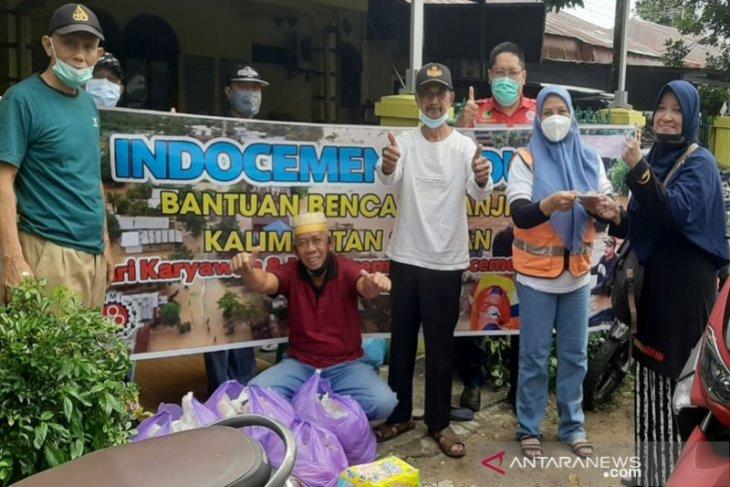 Produsen semen menyalurkan bantuan kepada korban banjir Kalsel