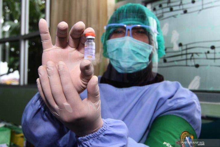 Pontianak mulai vaksinasi tenaga kesehatan lansia