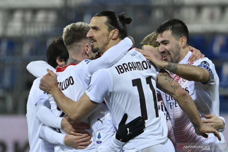 Ibrahimovic mengemas dua gol untuk mengunci kemenangan 2-0 AC Milan