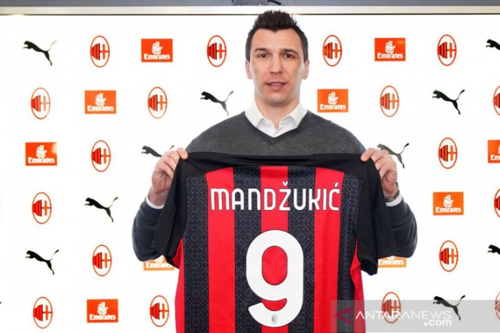 AC Milan resmi rekrut pemain veteran Mario Mandzukic