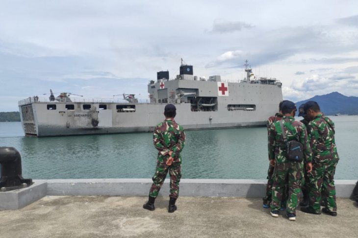 Tiba di Mamuju, rumah sakit terapung TNI AL siap tangani korban gempa