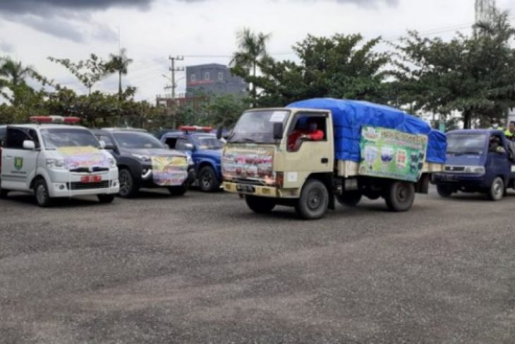 Puluhan relawan Tabalong berikan bantuan korban banjir HST