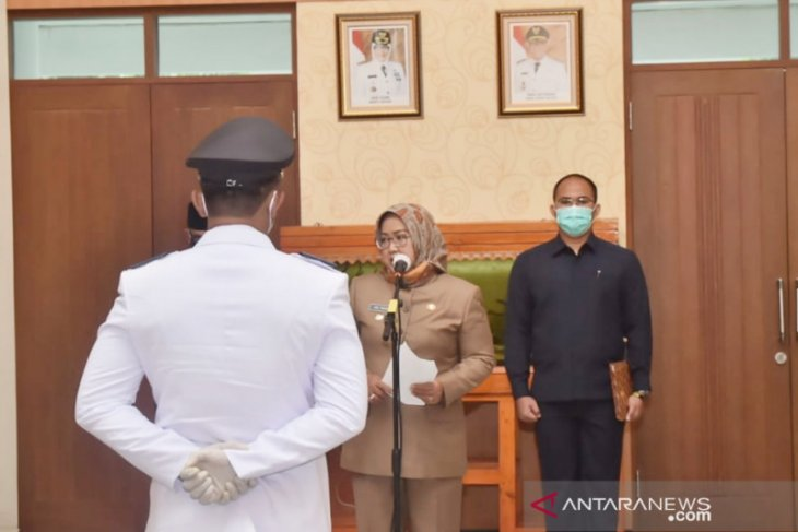 Bupati Bogor lantik pengganti kades Sukaraja yang baru tujuh jam menjabat