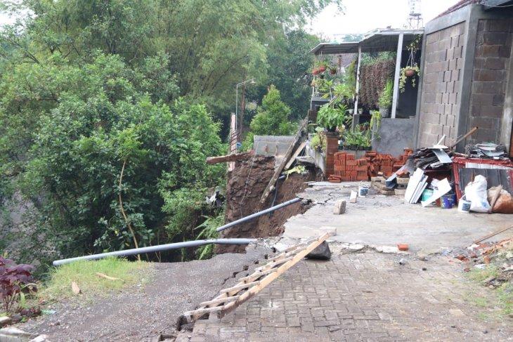 Longsor di Perumahan GSI Kota Malang, pemkot panggil pengembang