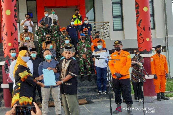 Bupati Mempawah serahkan santunan tahap awal korban Sriwijaya Air SJ-182