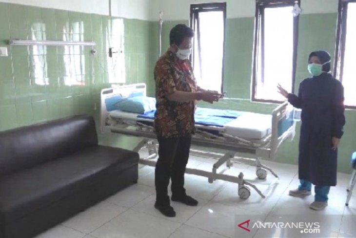 Ruang isolasi pasien COVID-19 di RSUD Kota Madiun penuh