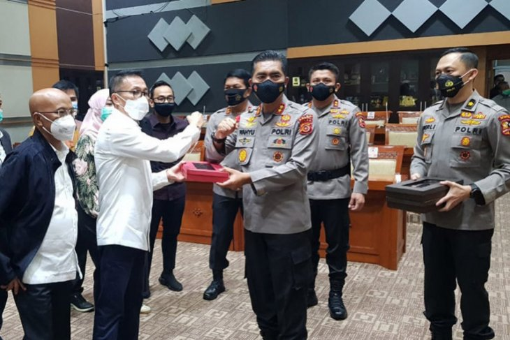 Kapolda Aceh pimpin tim antar makalah calon Kapolri ke DPR