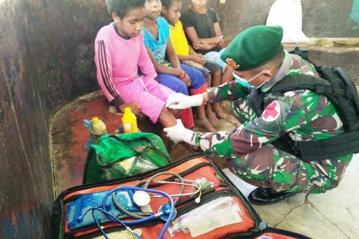TNI AD beri layanan kesehatan gratis warga Papua