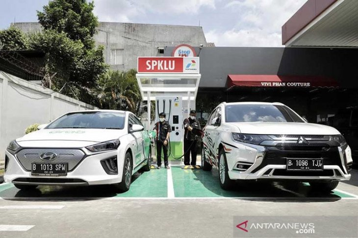 Pertamina siap kembangkan industri baterai kendaraan listrik