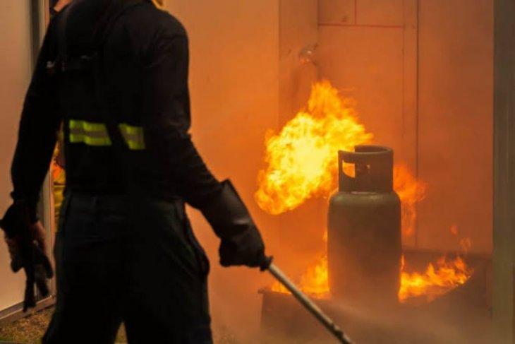 Tabung gas meledak, satu orang meninggal dunia di Medan