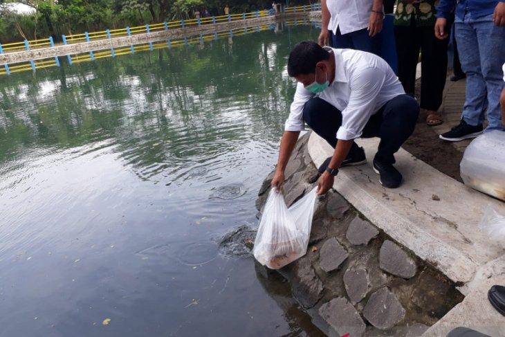 Ribuan bibit ikan disebar di lokasi sumber air Kota Kediri