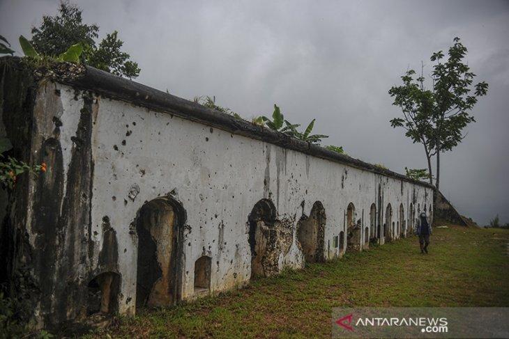 Benteng peninggalan belanda di Cipatat