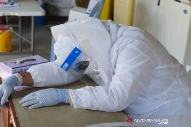 Kepenatan bertugas, Seorang dokter COVID-19 di Malaysia meninggal dunia
