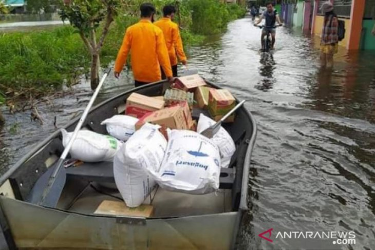 BPBD Banjarmasin melaporkan 100 ribu warga terdampak banjir hingga hari ketujuh
