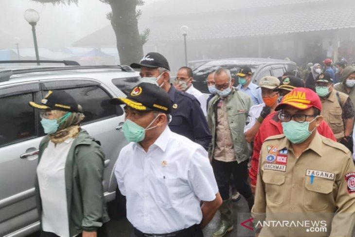 Kemensos kucurkan bantuan Rp229 juta untuk korban bencana di Gunung Mas Bogor (video)