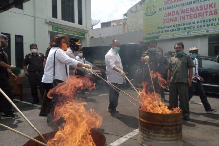 Pemusnahan barang bukti tindak kejahatan di Kejari Kota Sukabumi didominasi kasus narkoba