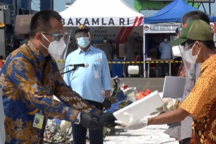 Sriwijaya Air resmi serahkan santunan kepada keluarga korban SJ 182