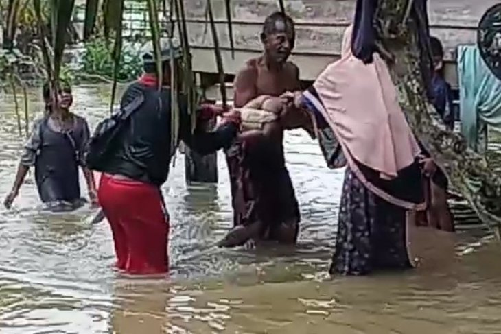 Bocah tiga tahun hanyut diseret arus sungai di Aceh Timur