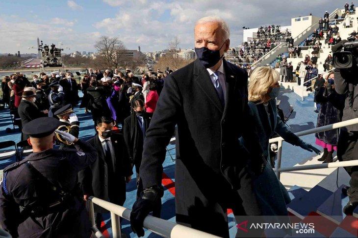 Biden wajibkan masker di gedung federal