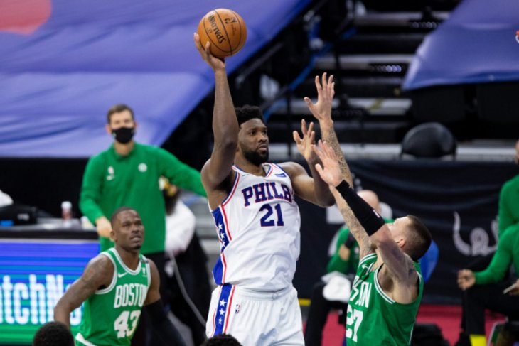 Joel Embiid bawa Philadelphia 76ers tundukkan Celtics 117-109