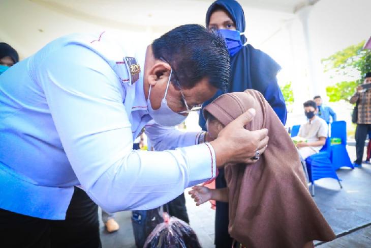 Pemko Banda Aceh berikan peralatan pendidikan untuk 100 anak yatim