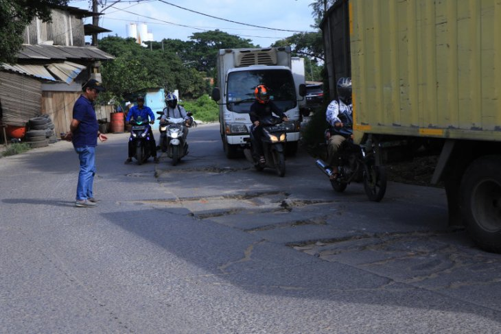 Anggota DPRD Desak Pemkot Tangerang Segera Perbaiki Jalan Perancis
