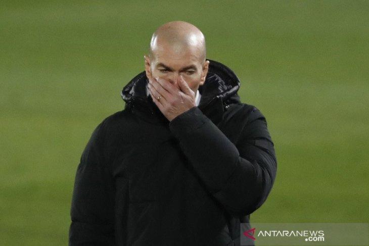Real Madrid umumkan Zidane positif tertular COVID-19 hasil tes terkini