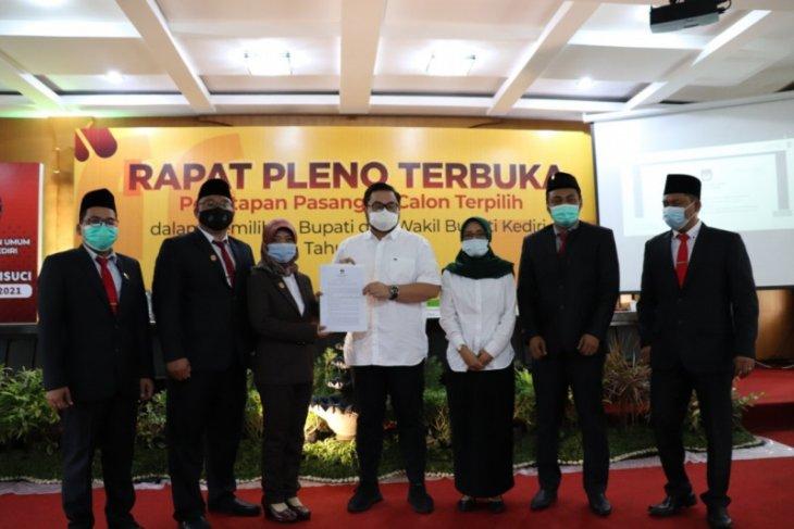 KPU Kabupaten Kediri tetapkan Dhito-Dewi sebagai cabup-cawabup terpilih