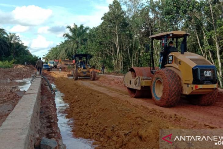 Perusahaan perkebunan di Kalbar percepat pelaksanaan pemeliharaan jalan