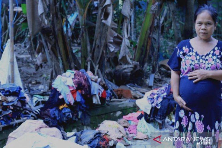 Jalan masih tertutup longsor, ibu hamil butuh pertolongan di Arangani, HST