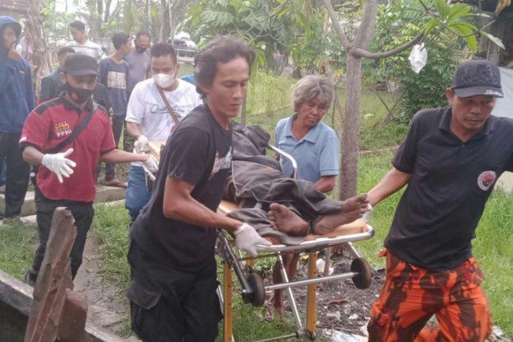 Warga Pangkalan Brandan temukan mayat  lelaki tua di pinggir parit