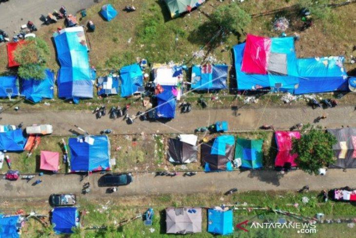 89,624 people still take refuge following powerful quake in W Sulawesi