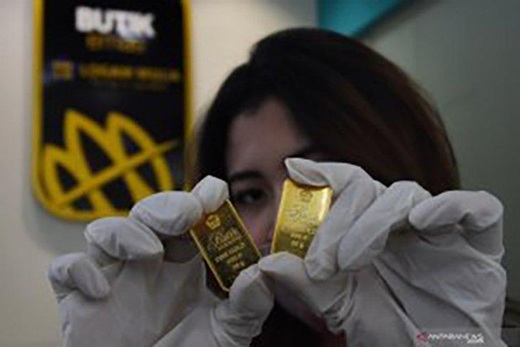 Emas naik 5,2 dolar meski terganjal lonjakan imbal hasil obligasi AS