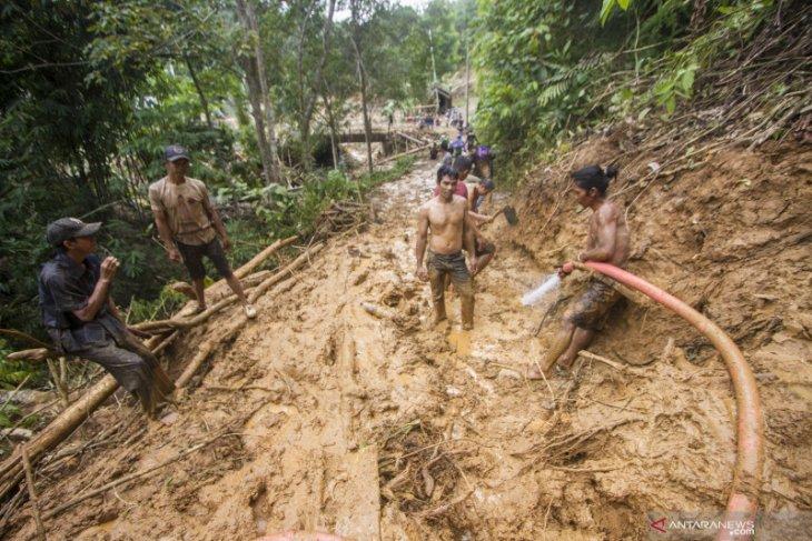 Penanganan banjir di HST dievaluasi, Bupati perpanjang status tanggap darurat selama 7 hari