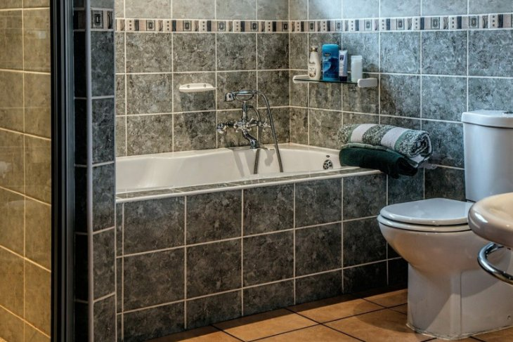 Dokter: Jangan pakai toilet yang sama jika keluarga  positif COVID-19