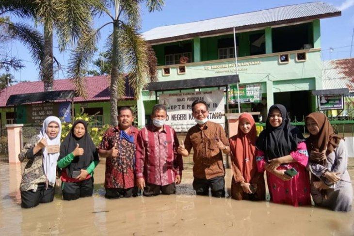 Ribuan anak sekolah di Aceh Tamiang libur belajar