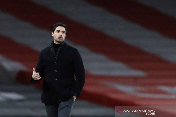 Mikel Arteta ingin Arsenal tidak ulangi kesalahan Ozil dan Sokratis